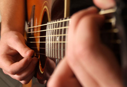Guitar training: Moving your fingers