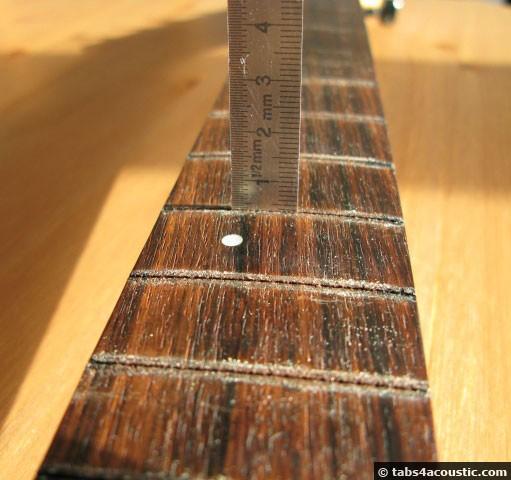 rainure frette guitare